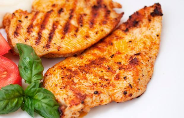 Compre! Peito de frango grelhado + acompanhamentos!