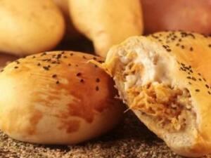 Pão de batata frango com requeijão